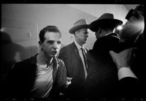 Lee Harvey Oswald, après son arrestationL'une des plus célèbres photos de Larry Schiller (photo: Larry Schiller)