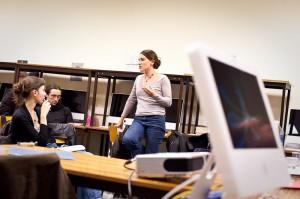 """Emmanuelle Defaud lors du debat Ca Presse ! sur le """"Journalistes et Google"""""""